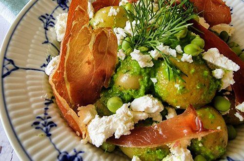 Kartoffelsalat med ærtepuré og feta