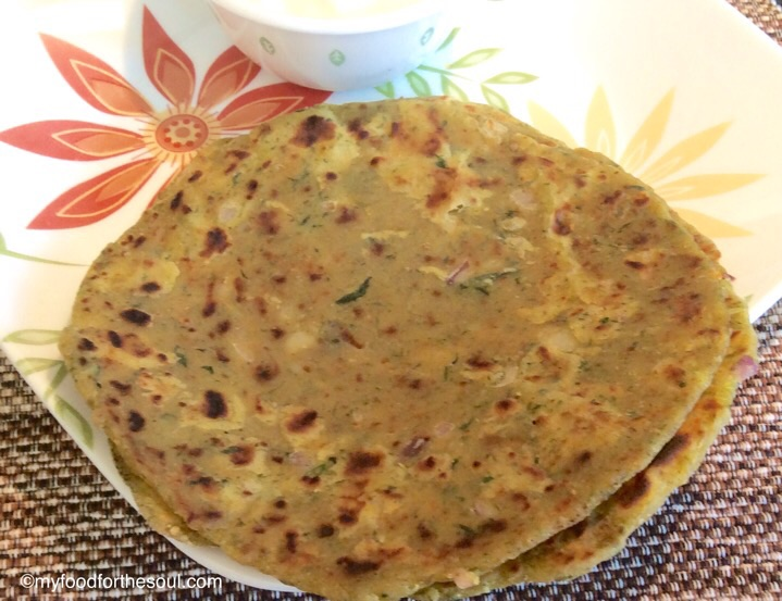 Aloo Palak Paratha with Cheese