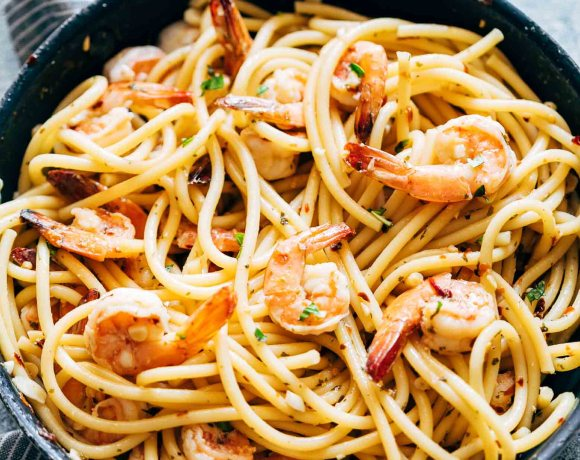Shrimp Spaghetti Aglio Olio is a 5 ingredient pasta recipe (shrimp, olive oil, garlic, peperoncino or chilli flakes and parsley) thats ready in 20 minutes and has the easiest, most delicious pasta sauce you'll ever make!