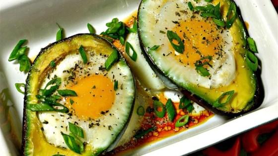 Avocado poached eggs