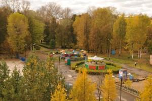Вид на парк и атракционы