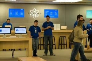 Консультанты магазина Apple