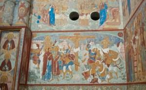 Настенные росписи в церкви
