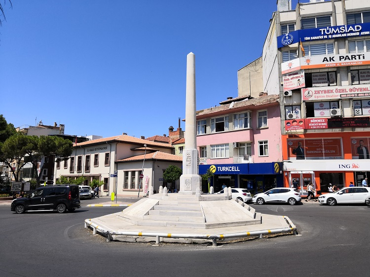 Independence Monument - Aydin
