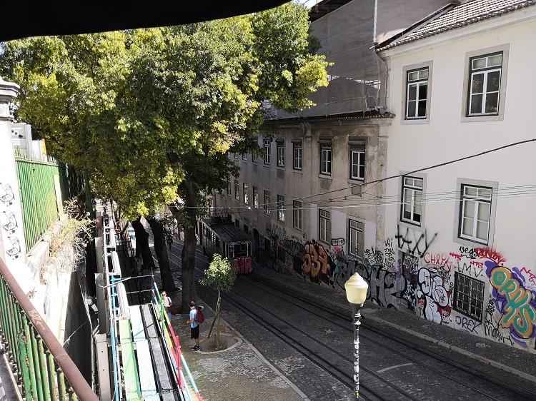 Glória Funicular - Lisbon