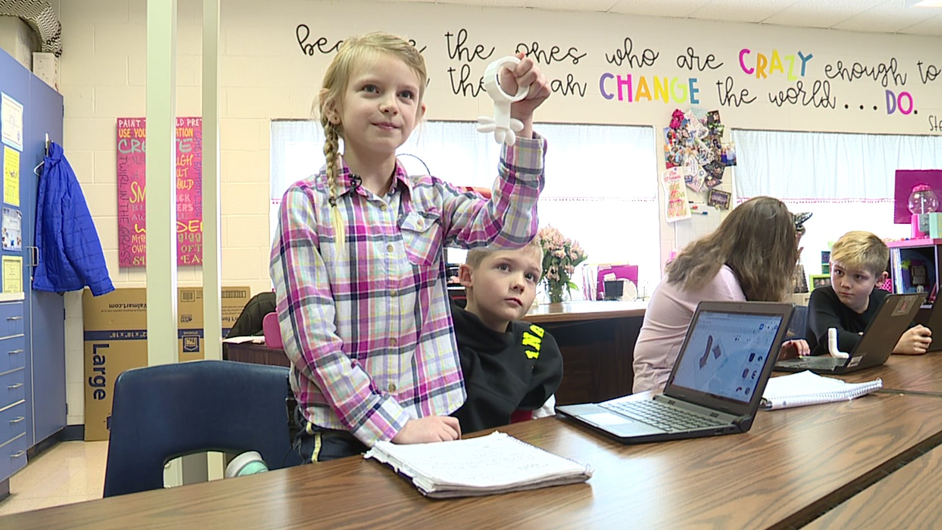 Kids explore the latest technology at New Market Elementary School