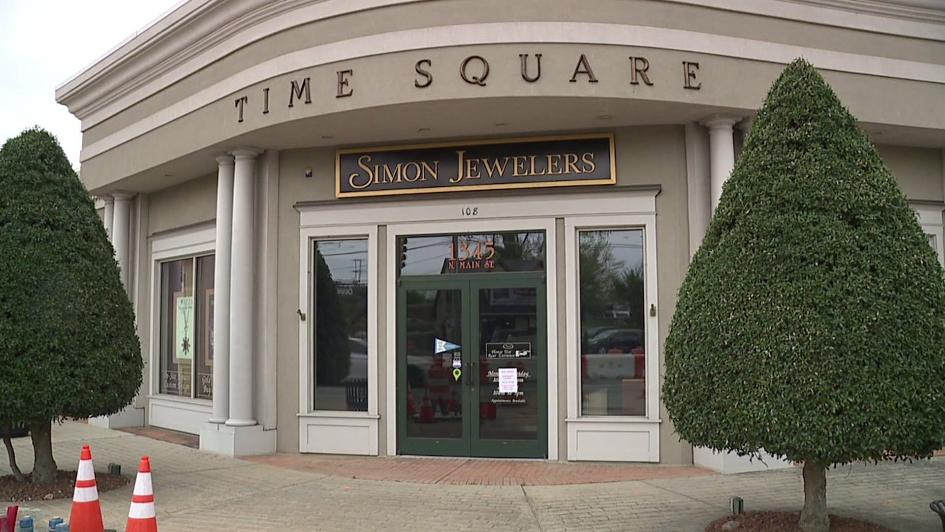 Small Business Spotlight: Simon Jewelers