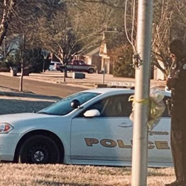School resource officer spotted praying for students at school's flagpole every day (WNCN)