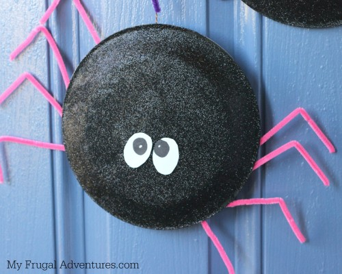 Halloween Craft Idea For Kids: Paper Plate Spiders