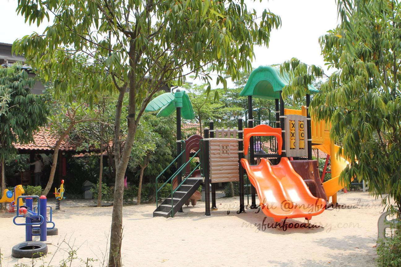 Taman Santap Rumah Kayu Kuliner Enak Bonus Alam