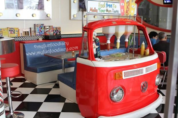 Mini Van tempat aneka sauce