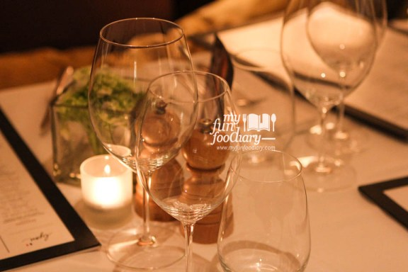 Romantic set at Lyon's