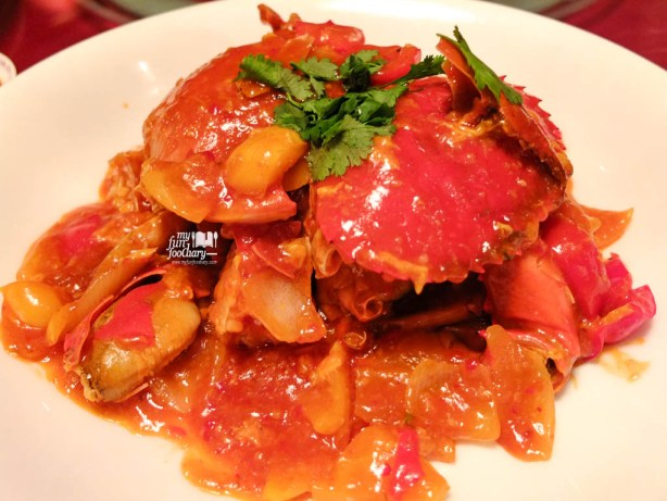 Live Meat Chilli Crab