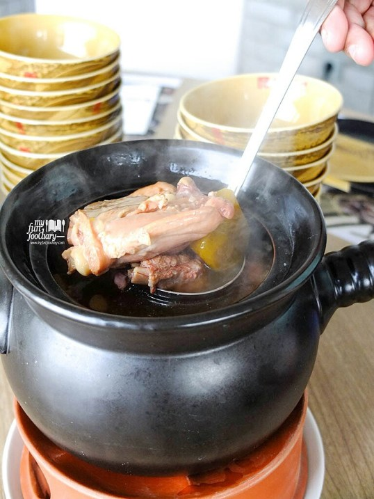 Double-boiled Chicken with Spare Ribs and Ginseng