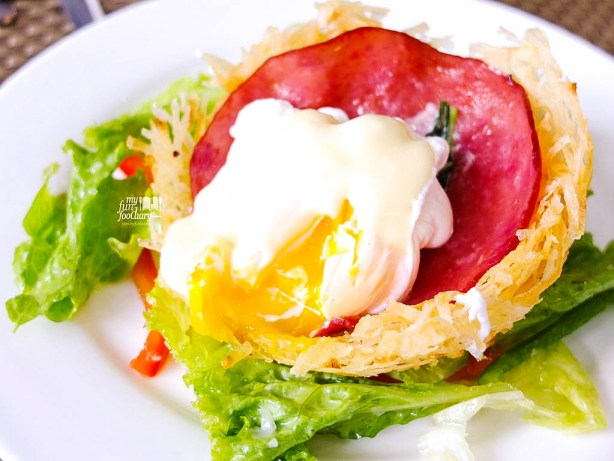 Egg Nest Special Salad