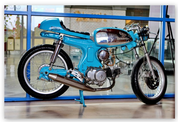 Classic Motorcyle at Boka Buka Resto Street Gallery PIM by Myfunfoodiary