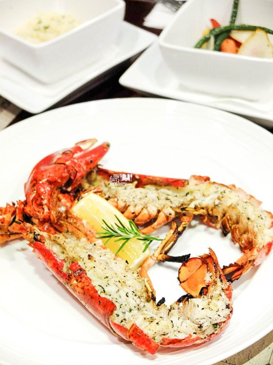 Grilled Main Whole Lobster at Laughing Stock Seafood and Grill - by Myfunfoodiary