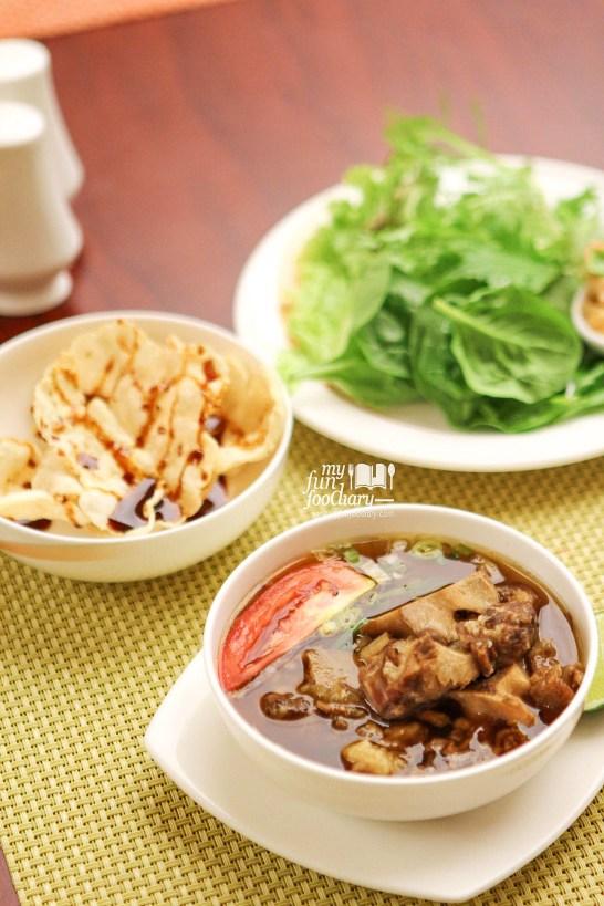 Legendaris Sop Buntut at Bogor Cafe Hotel Borobudur by Myfunfoodiary v2