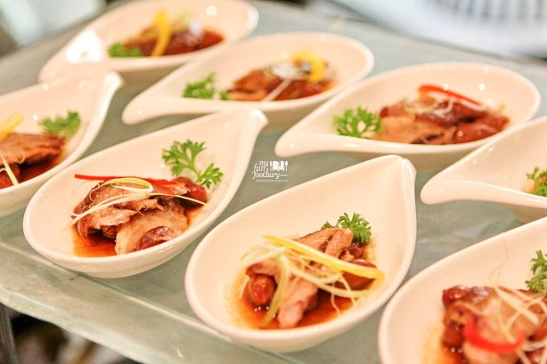 Marinated Smoked Duck with Peanut Shang Palace Shangri-La Jakarta by Myfunfoodiary