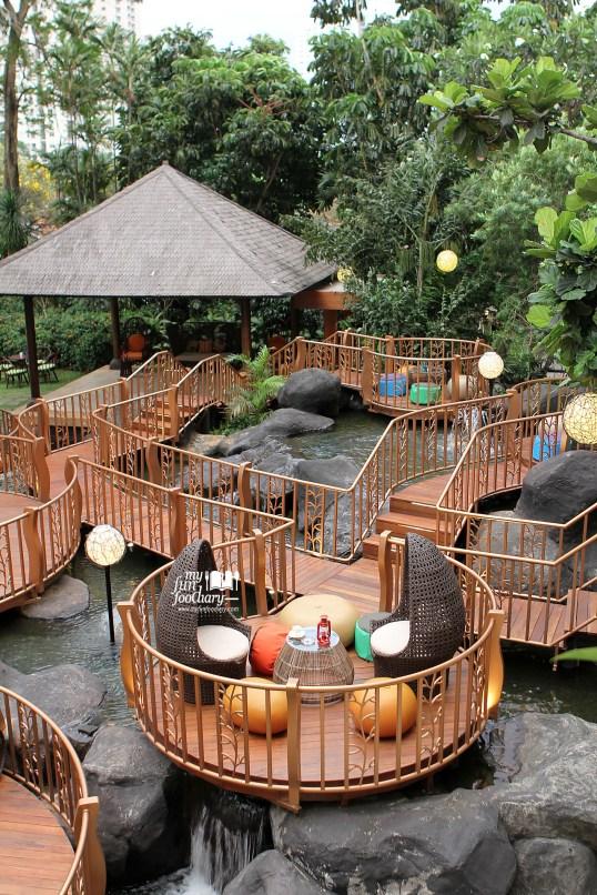 Ambience JimBARan Outdoor Lounge Intercontinental MidPlaza by Myfunfoodiary 03
