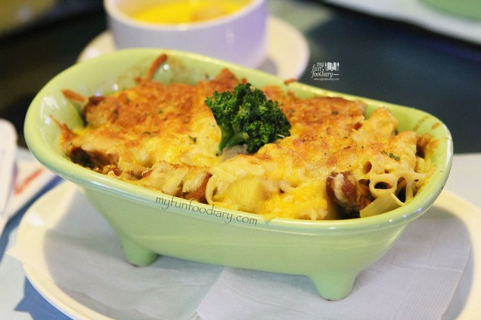 Chicken Curry Au Gratin at Modern Toilet Cafe Taiwan by Myfunfoodiary