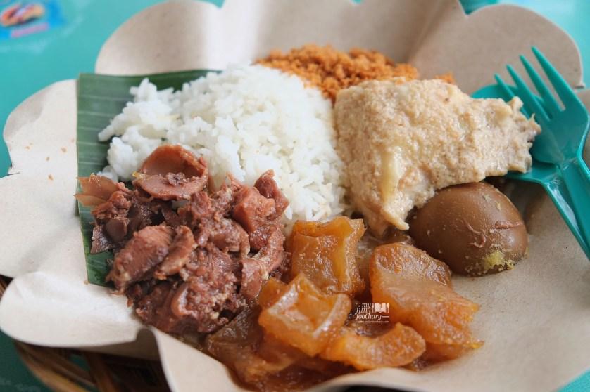 Gudeg Yogya Ibu Laminten Festival Jajanan Bango di Parkir Timur Senayan by Myfunfoodiary 01