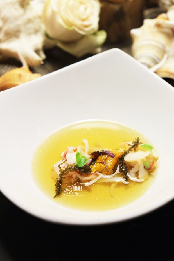 Sea consomme, scallops, octopus, shrimp, clams & sea urchin at Real Food Concept Chapter 01 Ocean by Myfunfoodiary 01