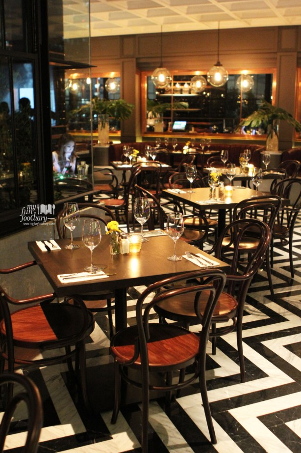 Suasana di Immigrant Dining Room Plaza Indonesia by Myfunfoodiary 01