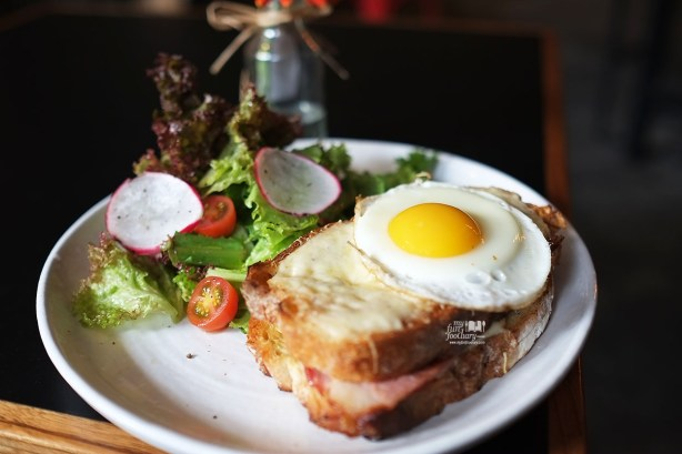 Croque Madame at Two Hands Full Coffee by Myfunfoodiary 02