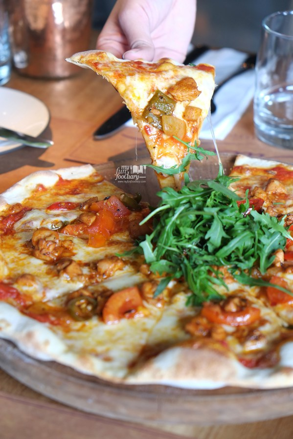 Devilled Chicken Pizza at Balboni Ristorante by Myfunfoodiary