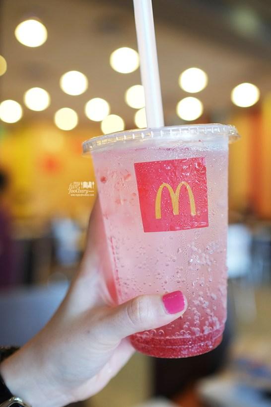 Raspberry Fizz at McDonalds by Myfunfoodiary