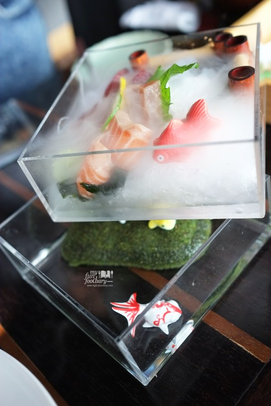 Shake and Maguro Sashimi at Enmaru Restaurant at Altitude The Plaza by Myfunfoodiary 05