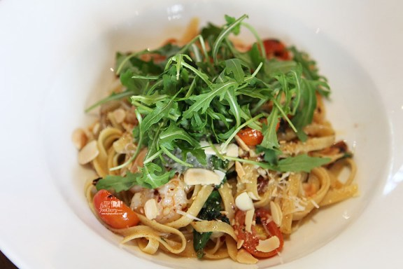 Spicy Prawn Fettuccine with Cherry Tomatoes and Basil at Canteen Pacific Place by Myfunfoodiary