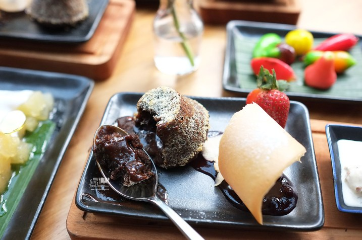 Melted Choco Cake at Locanda Food Voyager by Myfunfoodiary