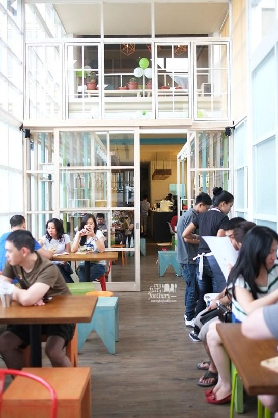 Suasana di dalam Shirokuma Japanese Dessert Cafe PIK by Myfunfoodiary