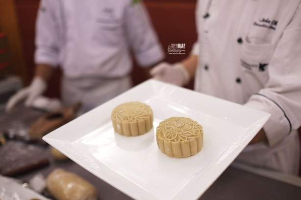 Homemade Moon Cake by Chef John Chu at JW Marriott Jakarta by Myfunfoodiary