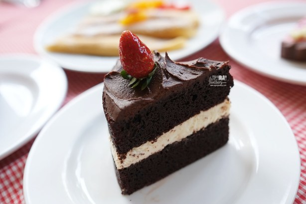 Moist Chocolate Cream Cheese Cake at The Baked Goods by Myfunfoodiary