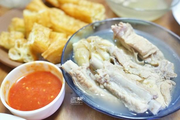Homemade Pork Bak Kut Teh Peppery Soup by Mullie
