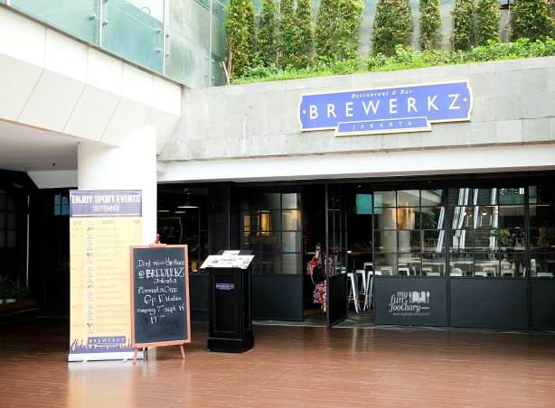 Outside Look of Brewerkz Jakarta by Myfunfoodiary