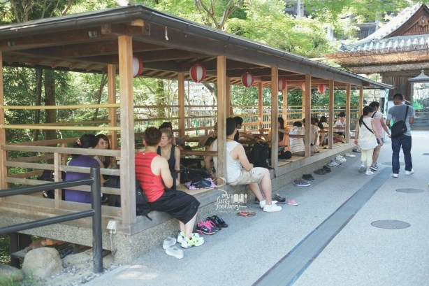 Resting Area at Kiyomizudera Temple by Myfunfoodiary
