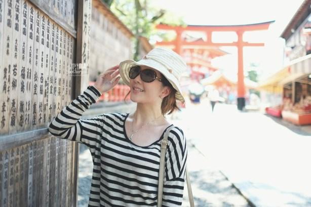 Mullie at at Fushimi Inari Taisha Kyoto by Myfunfoodiary