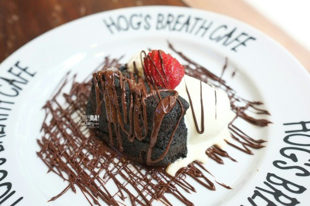 Mississippi Mud Cake at Hogs Breath Cafe by Myfunfoodiary