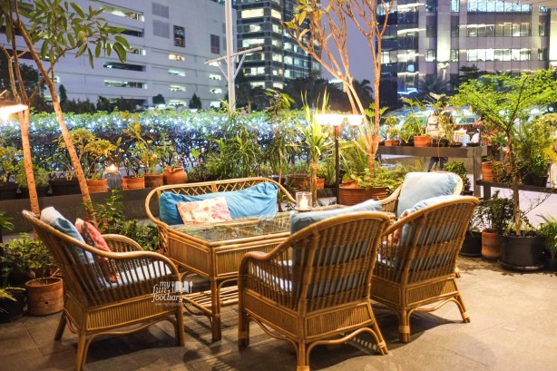 Outdoor Ambience at Potato Head SCBD Pacific Place Jakarta by Myfunfoodiary