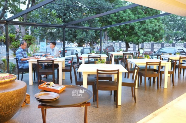 Outdoor ambience at Tesate Menteng by Myfunfoodiary