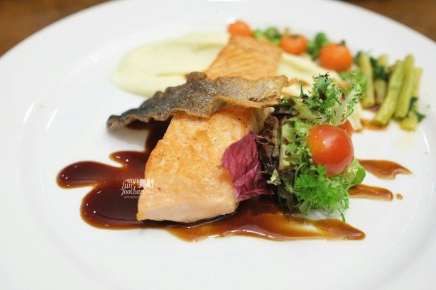 Pan Seared Crispy Skin Salmon made by me at our Cooking Class with Artotel Thamrin by Myfunfoodiary
