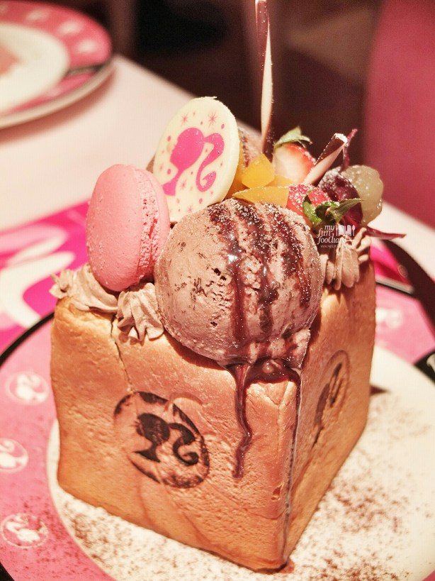 Waffle Ice Cream at Barbie Cafe Taiwan by Myfunfoodiary