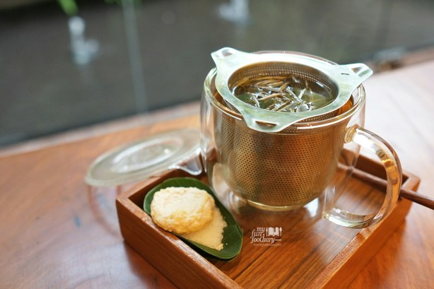 White Tea at Tesate Menteng by Myfunfoodiary
