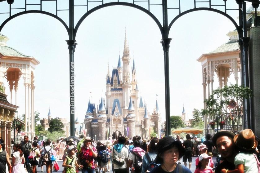 Entrance to Tokyo Disneyland Japan by Myfunfoodiary