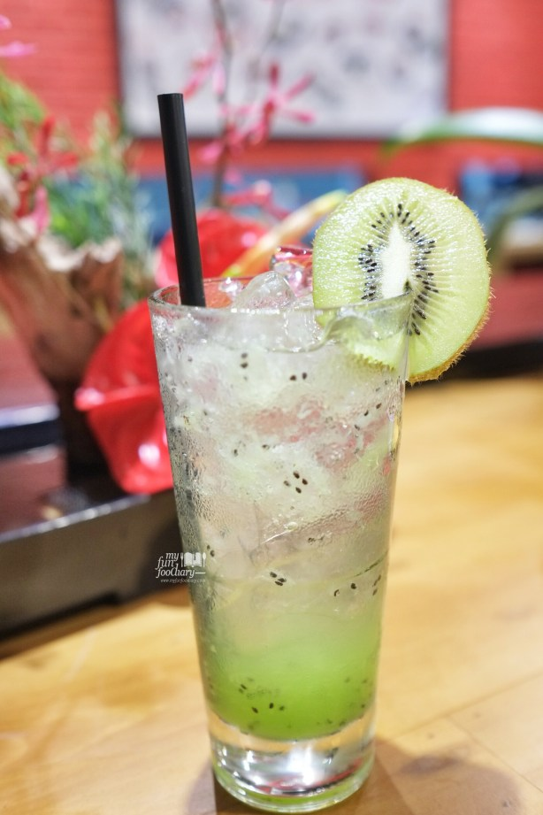 Kiwi Mocktails at 3 Wise Monkeys by Myfunfoodiary