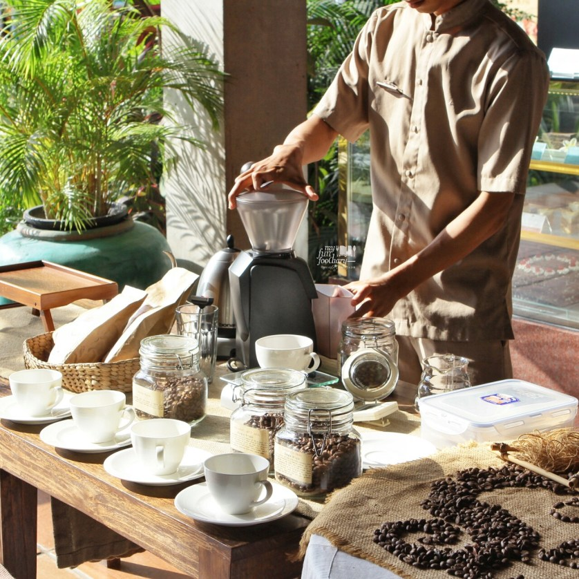 Preparation for Coffee Session at Petani Restaurant - Alaya Resort Ubud by Myfunfoodiary